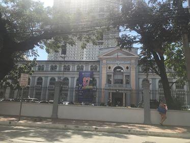 ラコンソラチオンカレッジ(La Consolacion College)の校舎