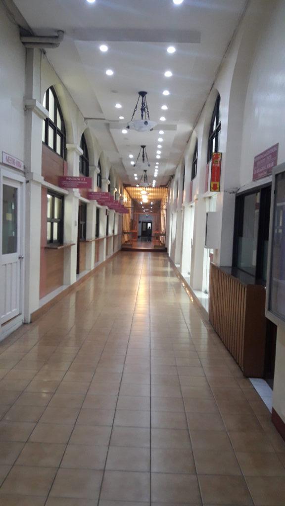 セントロエスカラー大学(Centro Escolar University )のオフィス