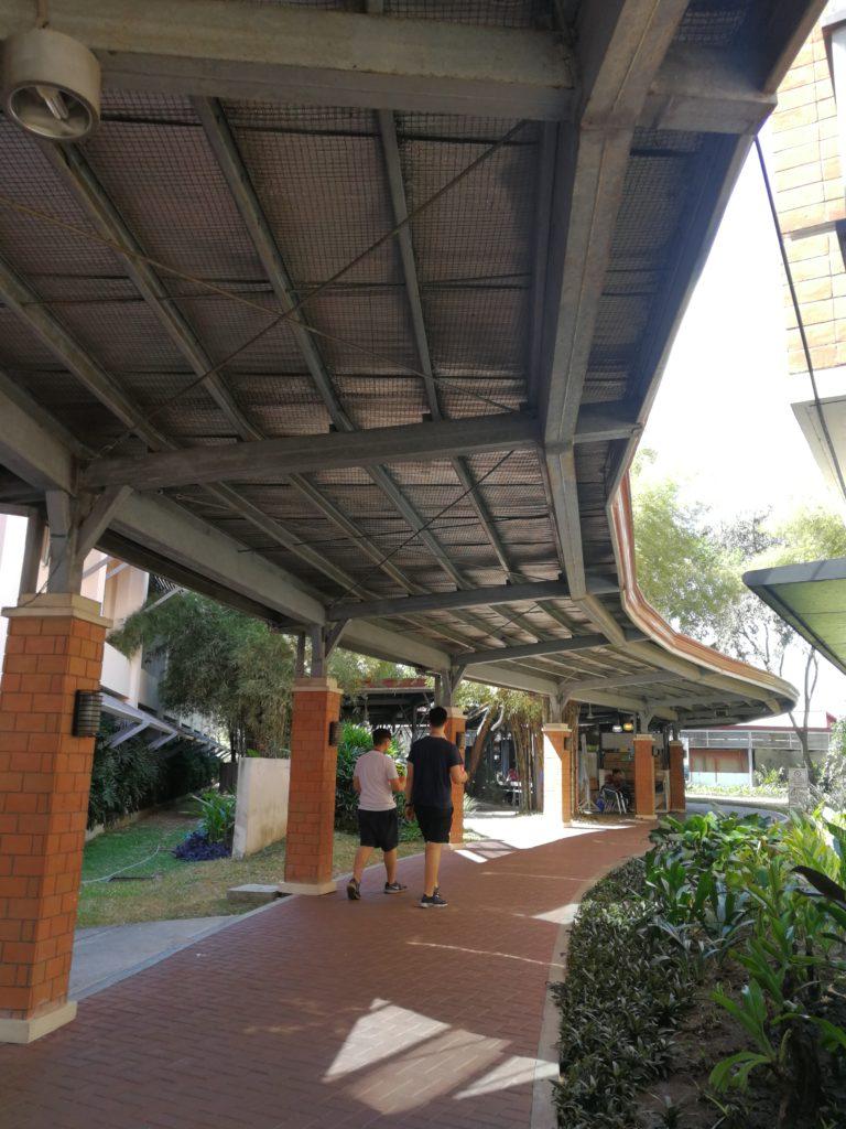 アテネオ大学(Ateneo de Manila University)の廊下