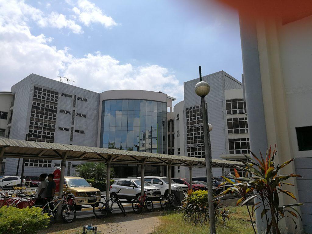 アテネオ大学(Ateneo de Manila University)の校舎