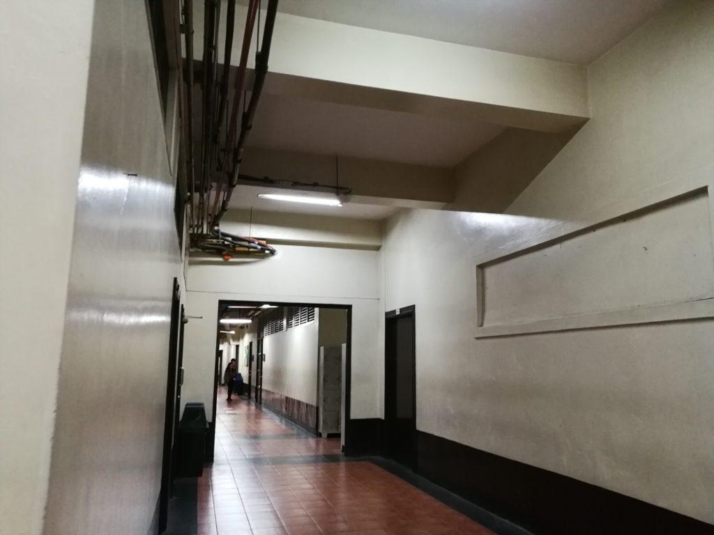 サン・セバスティアン大学(San Sebastian College)の廊下