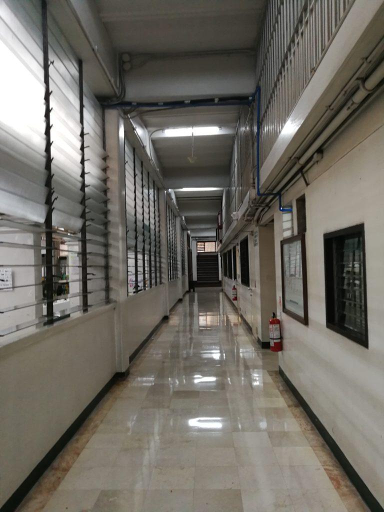 デ・ラサール大学(De La Salle University)の廊下