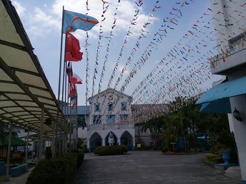 ラコンソラチオンカレッジ(La Consolacion College)のグランド