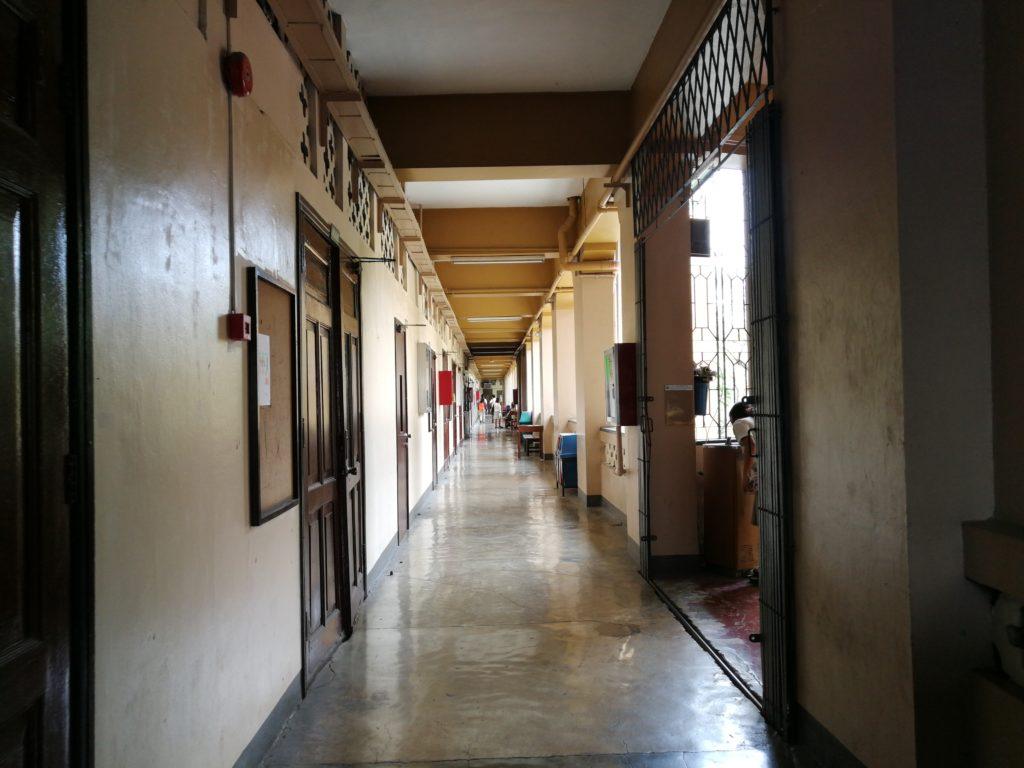 サン・カルロス大学(University of San Carlos)の廊下