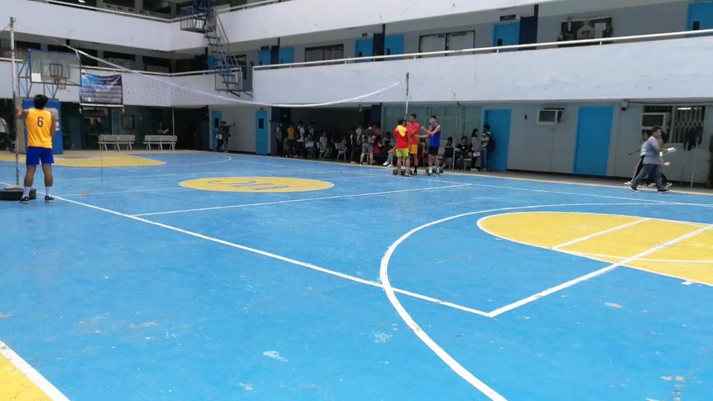 セブ大学(University of Cebu)のバスケットコート