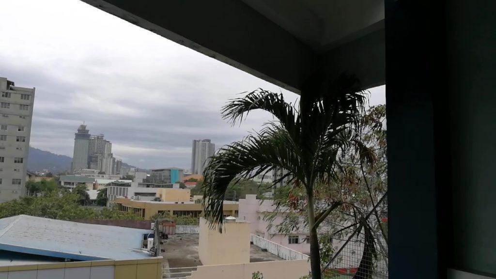 セブ大学(University of Cebu)の屋上から