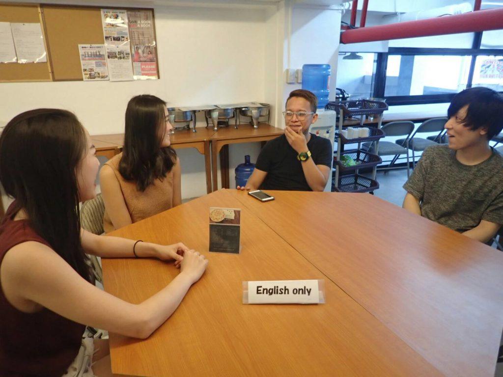 ゼン イングリッシュ(ZEN English)のテーブル