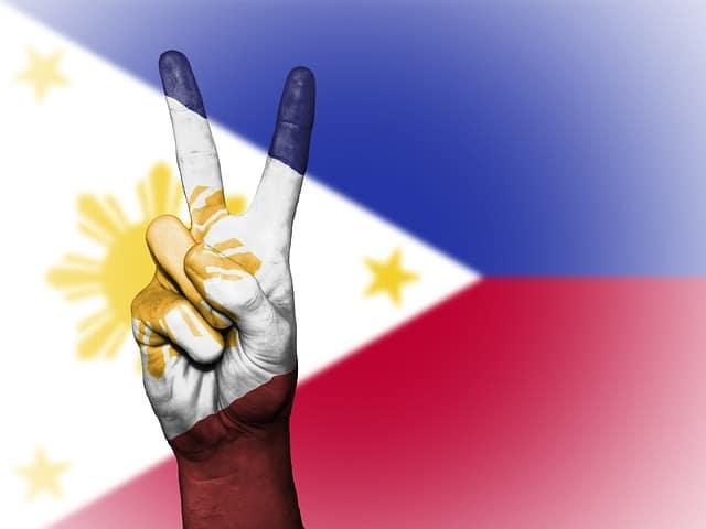 フィリピン留学の費用とフィリピンの国旗