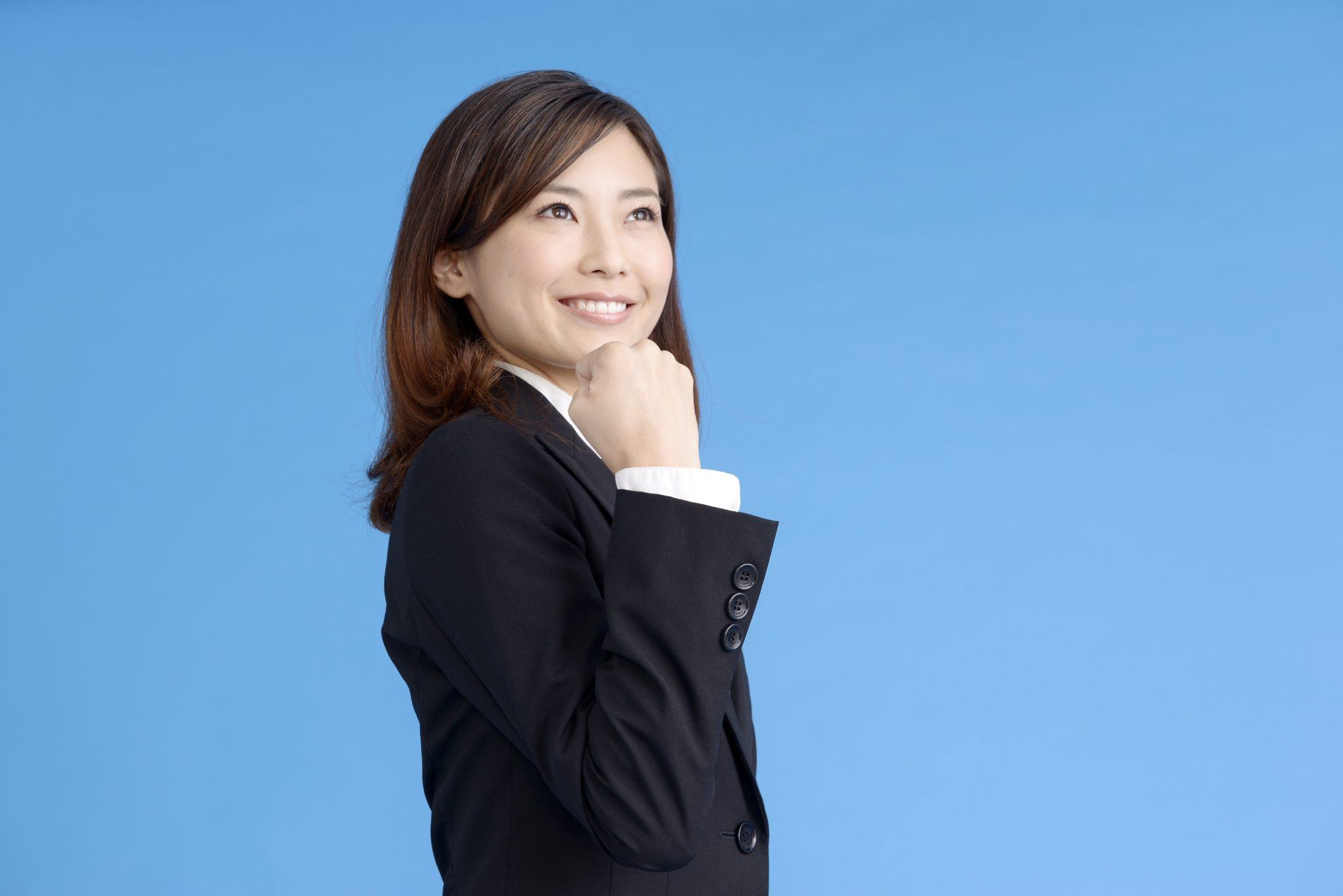 海外大学を出た方が就職に有利だと自覚する女性