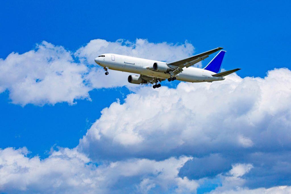 フィリピン行き航空券は、相場や安い時期を調べれば低価格で購入できる